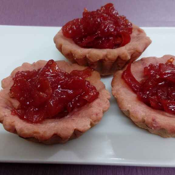 How to make Beetroot Tarts with sweet tomato