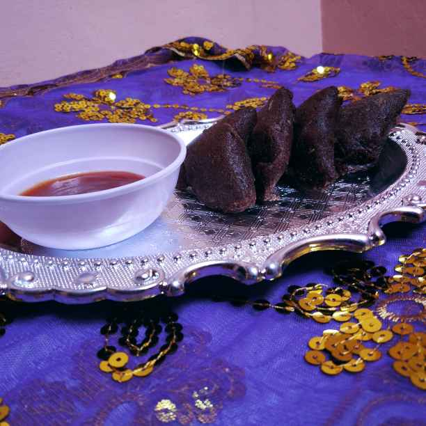 How to make Ragi sprout samosa