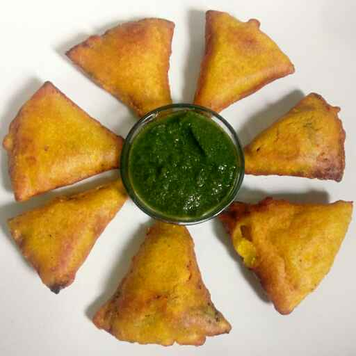 Photo of Bachi hui roti ke pakore by Nishi Maheshwari at BetterButter