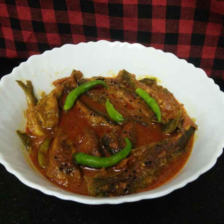 How to make Bengali Cat Fish ( Tangra Mach ) Onion Curry .