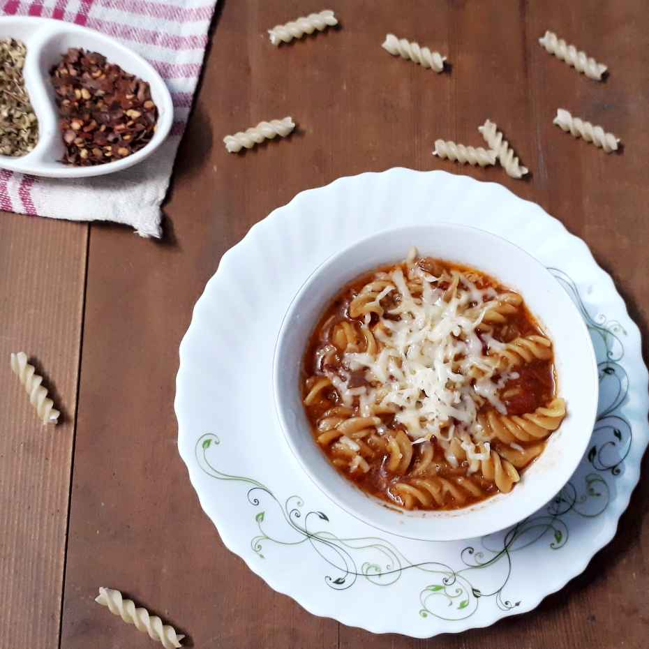 How to make Tangy tomato soup pasta