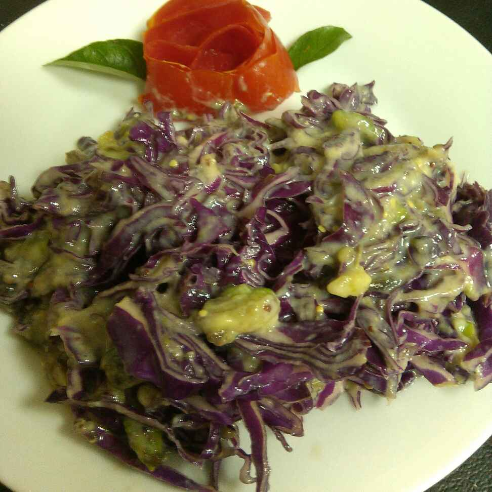 How to make Purple Cabbage Salad with Sauce