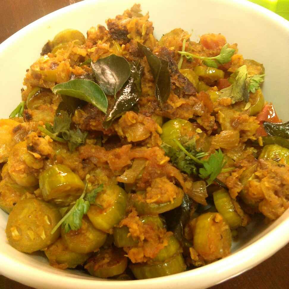 How to make Tinda And Potatoes Stir Fry