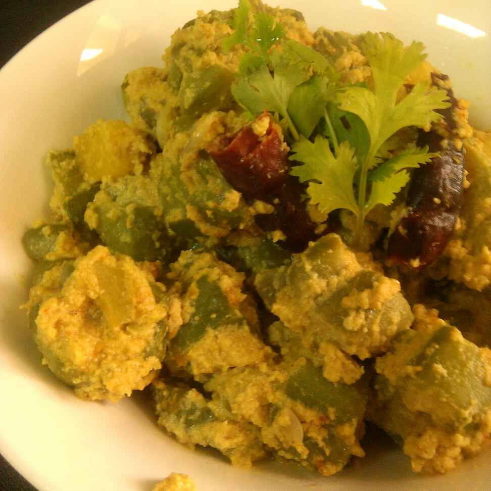 How to make Jhinge Posto / Sponge Gourd Sabzi With Poppy Seeds And Coconut