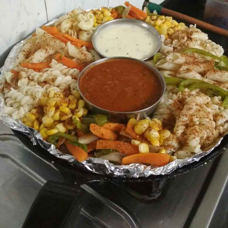 How to make Pasta sizzler with red sauce and white gravy with veggies