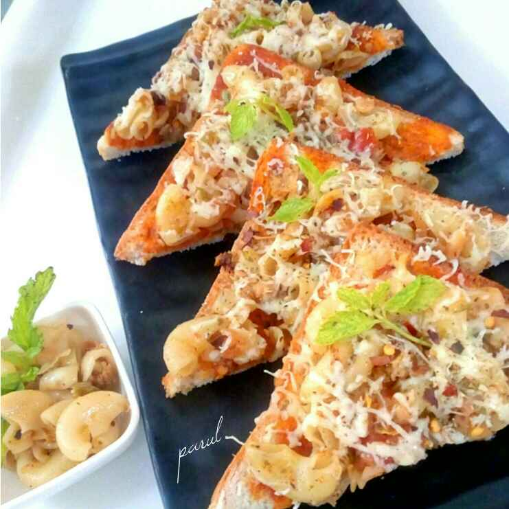 Photo of Macroni bread pizza by Parul Jain at BetterButter