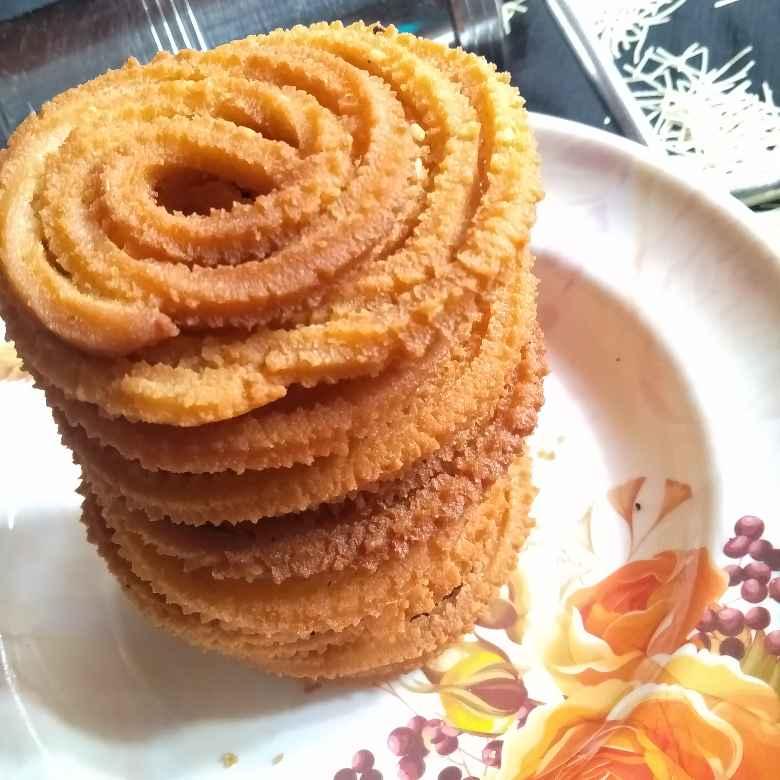 Photo of Rice flour vermicelli murukulu by Pasumarthi Poojitha at BetterButter