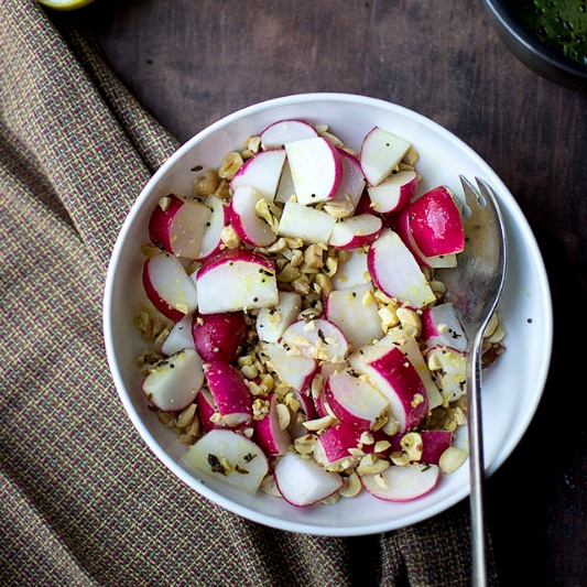 How to make Radish & Peanut Salad