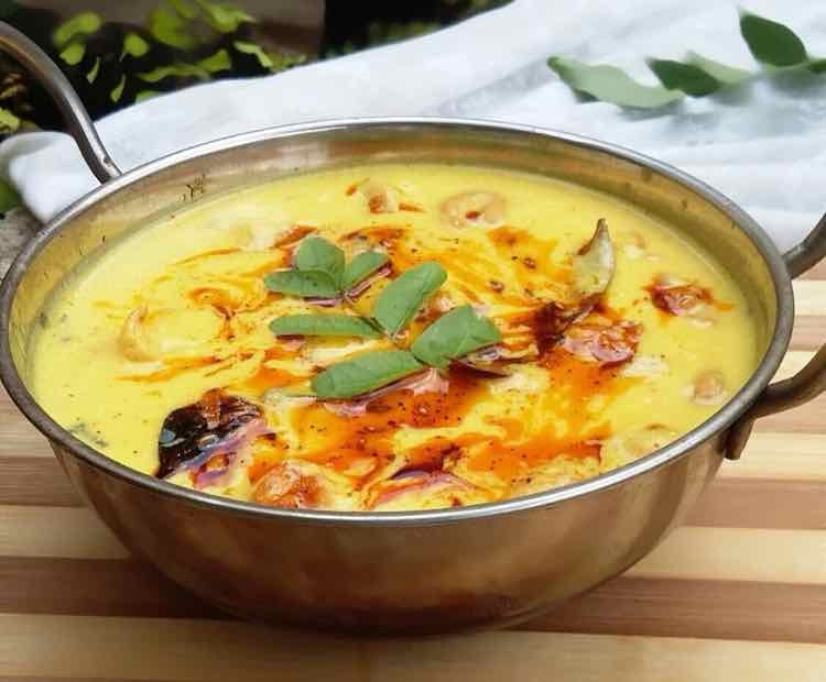 How to make shahi kadhi/nuts pakodi kadhi