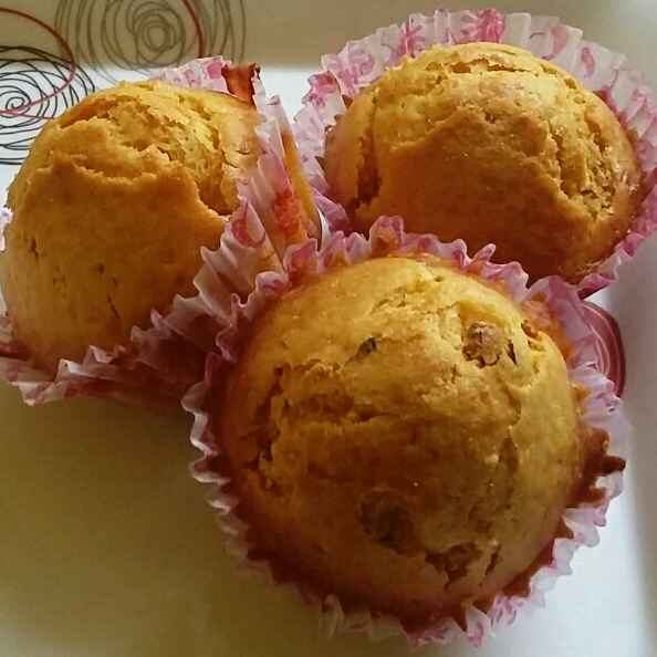 How to make carrot and raisins cup cakes