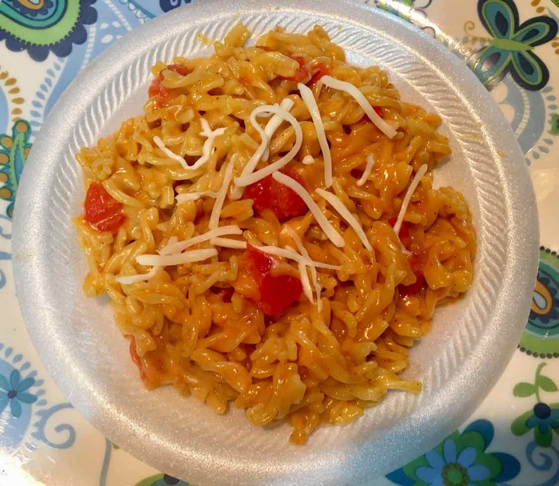 How to make Macaroni with cheese and tomato