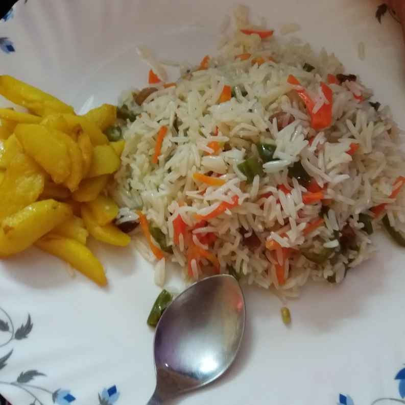 Photo of Vegetable rice nd potato fry by Piyasi Biswas Mondal at BetterButter