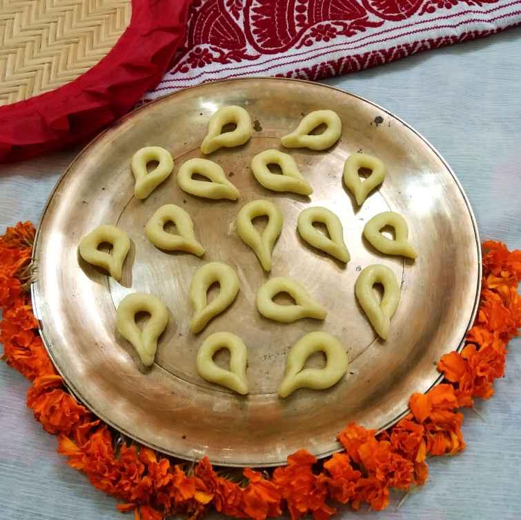 Photo of Milk Pawdar diye gujiya by Piyasi Biswas Mondal at BetterButter