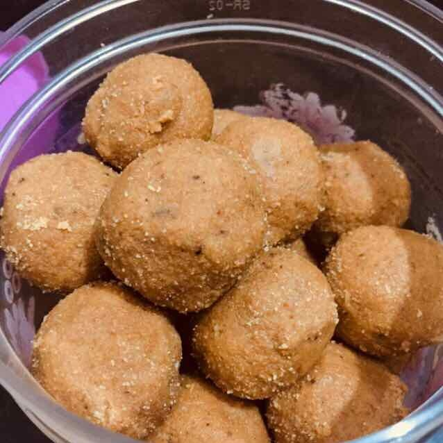 Photo of besan ke laddoo by Pooja Chaudhary at BetterButter