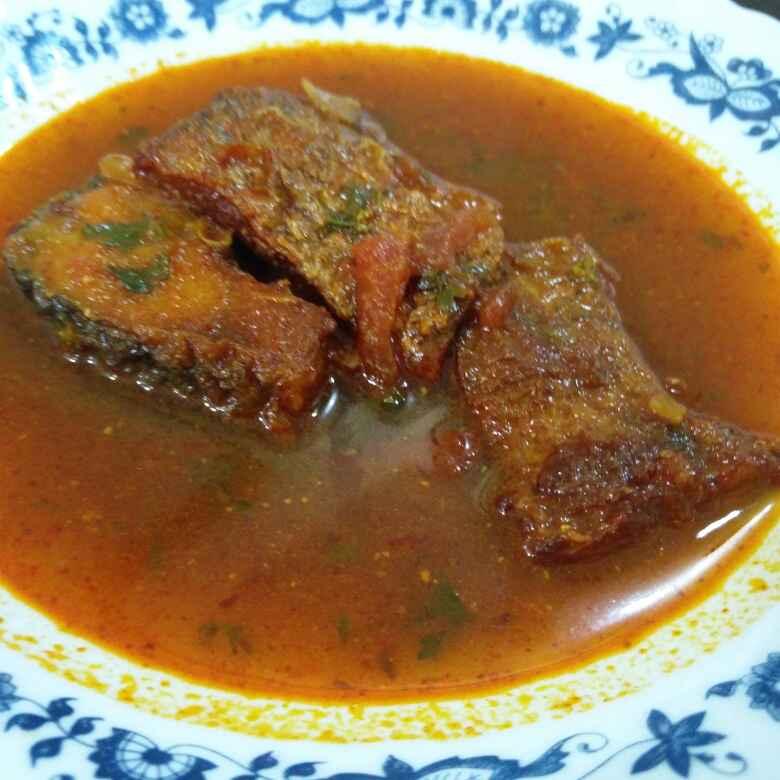 How to make Rohu fish curry