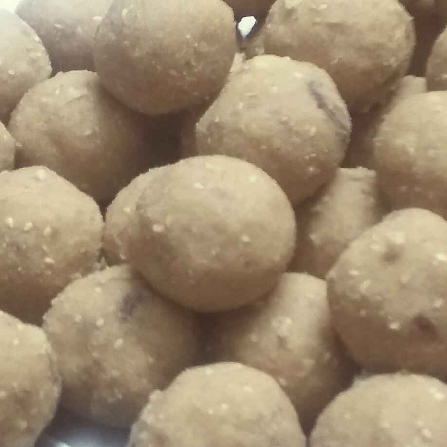 How to make Whole wheat sesame laddu
