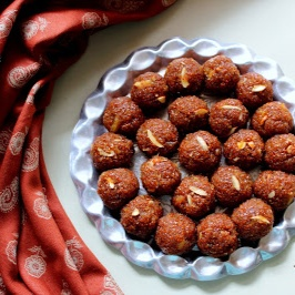 Photo of Aliv Che Ladoo / Halim Ladoo / Garden Cress Seed and Coconut Sweet Balls by Poonam Bachhav at BetterButter