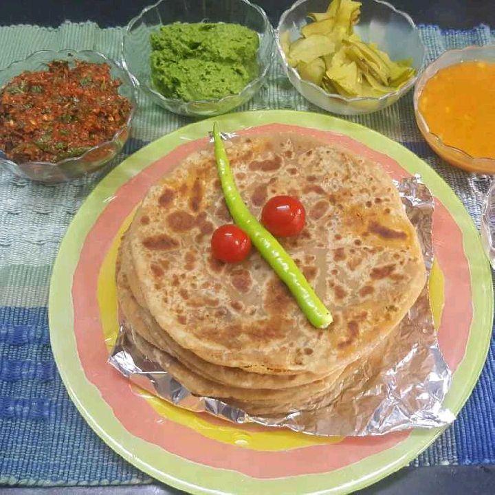 How to make Besan and methi parathas
