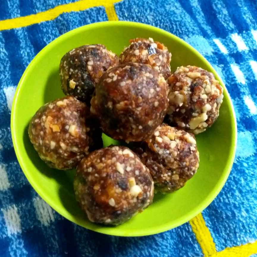 Photo of Dates Laddu by Poonam Nikam at BetterButter
