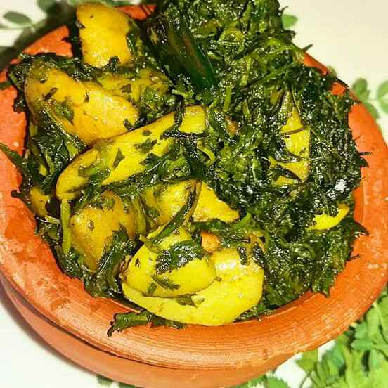 How to make Aalu chane ka saag