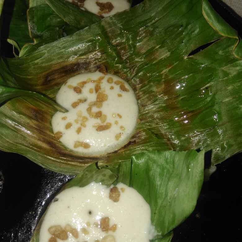 Photo of Banana leaf panangkarkandu fgpaniyaram by poorani Kasiraj at BetterButter