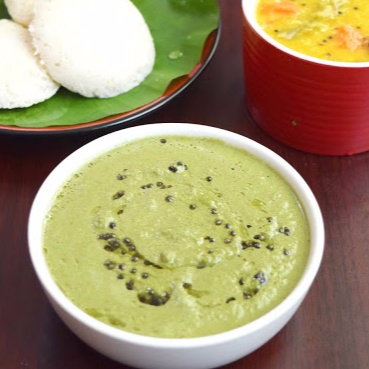 Photo of Curry Leaves Chutney / Curry Leaves Coconut Chutney / Karuvepillai Chutney by Poornima Porchelvan at BetterButter