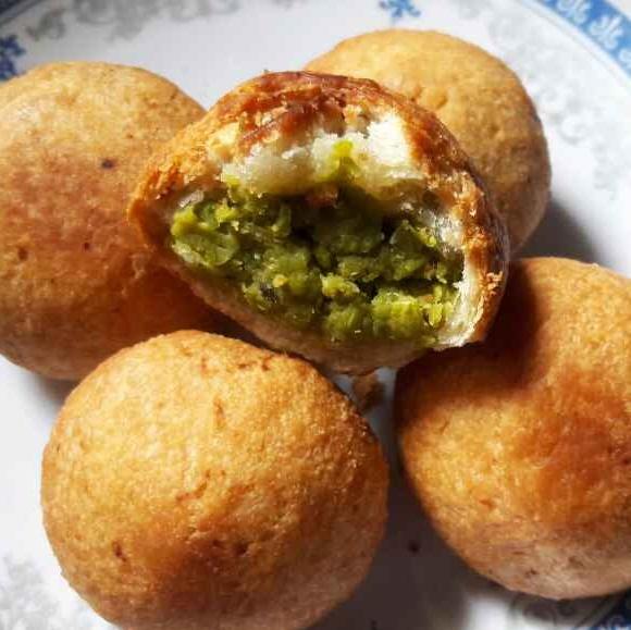 How to make Small green peas kochuri(khasta kochuri)