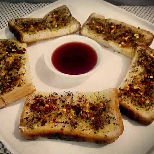 Photo of Garlic bread on tava by Prabhleen Kaur at BetterButter