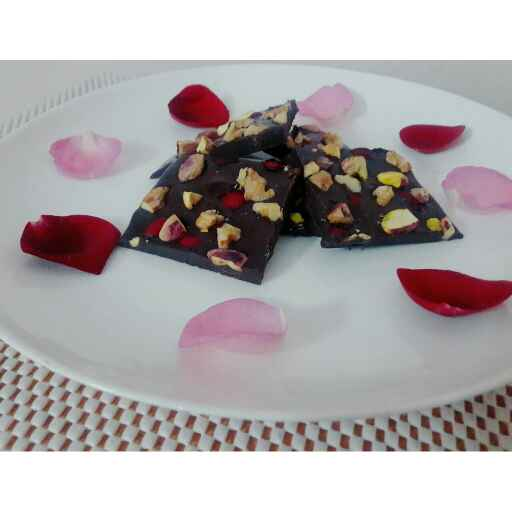 Photo of Dark Chocolate Bark With Nuts And Rose petals by Prabhleen Kaur at BetterButter