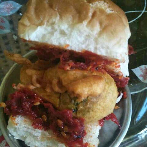 How to make Shejwan vada pav