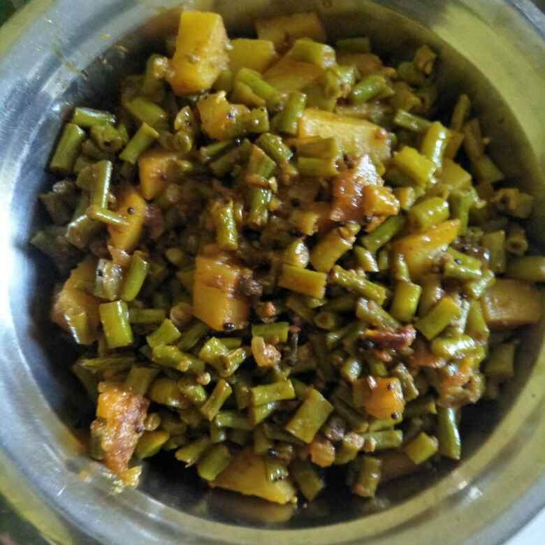 Photo of Aalu aur beans ki sabji by Pranali Deshmukh at BetterButter