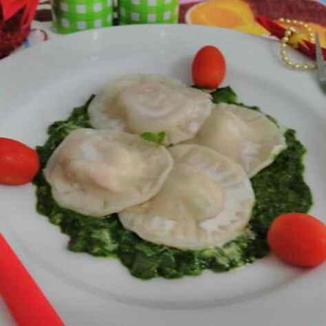 Photo of Paneer ravioli in spinch sauce by pratibha singh at BetterButter