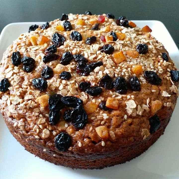How to make बनाना ओट्स एगलेस केक कुकर में