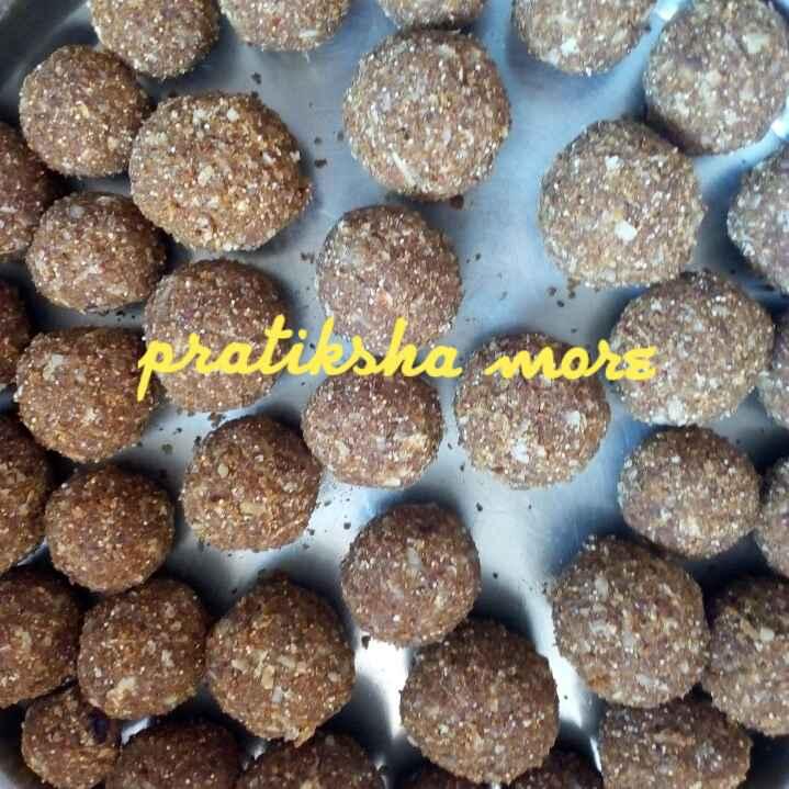 How to make Dinkache ladu