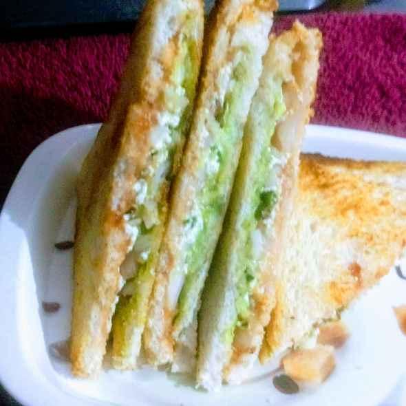How to make Paneer onion sandwich