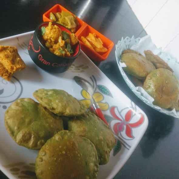 Photo of Besan masala stuffed palak kachori by Pratima Pradeep at BetterButter