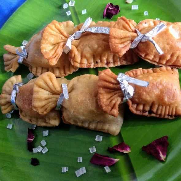 How to make Coconut mawa bori gujhiya