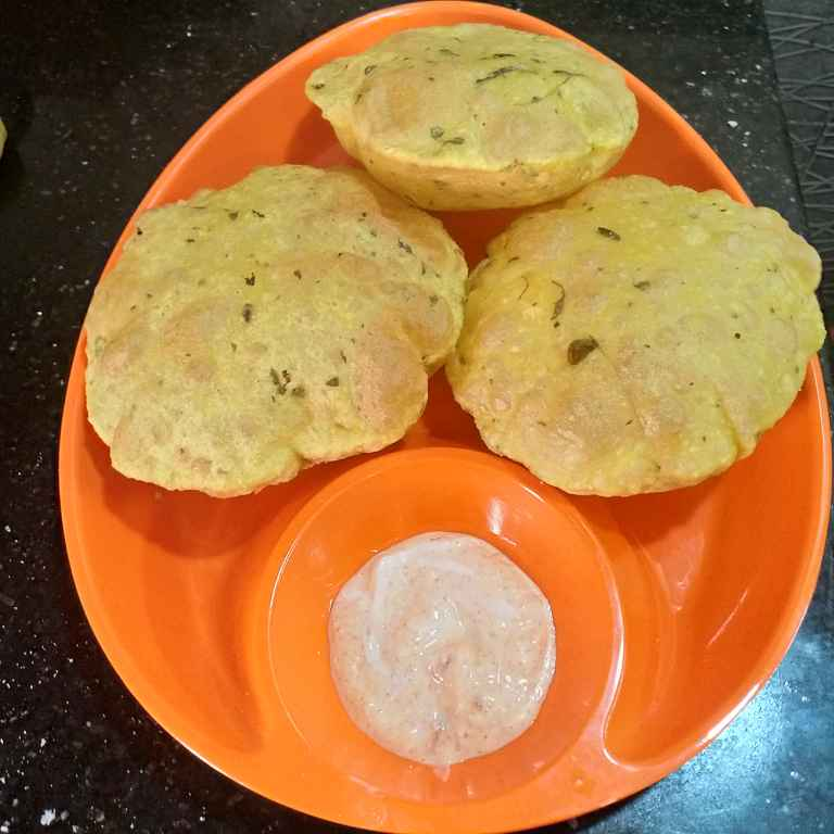 How to make మేథీ పూరీలు