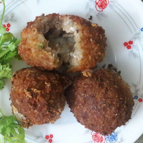 How to make Cheese stuffed chicken balls