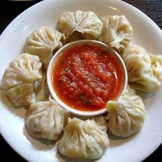 How to make Chicken Dumplings / Steamed Momos