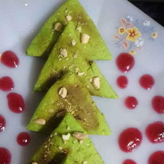 Photo of Cashewnut x-mas cookies by Preeti Jaiswani at BetterButter