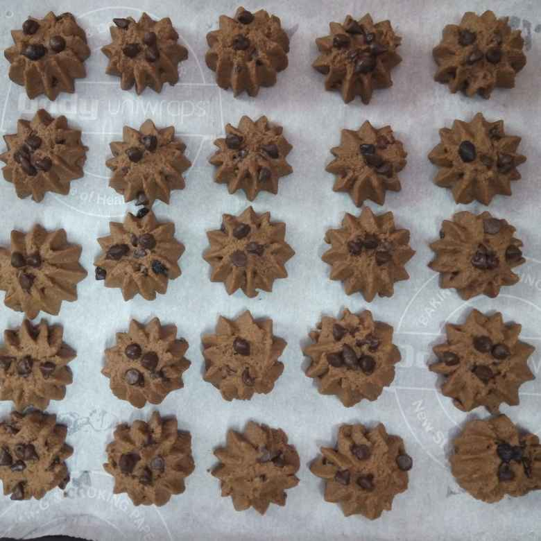 How to make Chocolate Crunchy Cookies