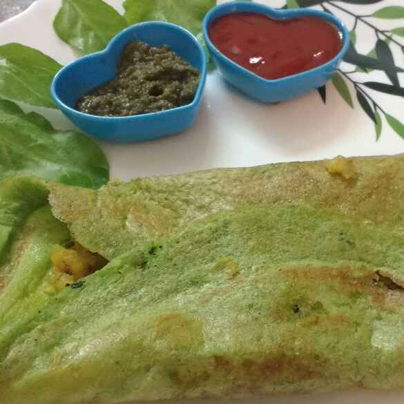Photo of Spinach Moog Dal Dosa by preeti sharma at BetterButter