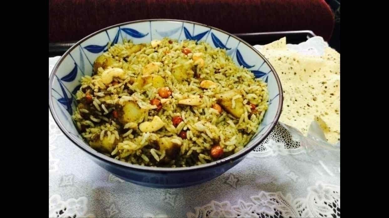 How to make Karuveppilai Podi Rice