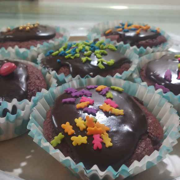 How to make Chocolate  Cupcakes with ganache
