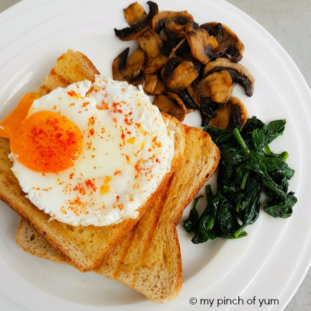How to make Sunny Side-Up Eggs with sautéed Mushrooms and Spinach