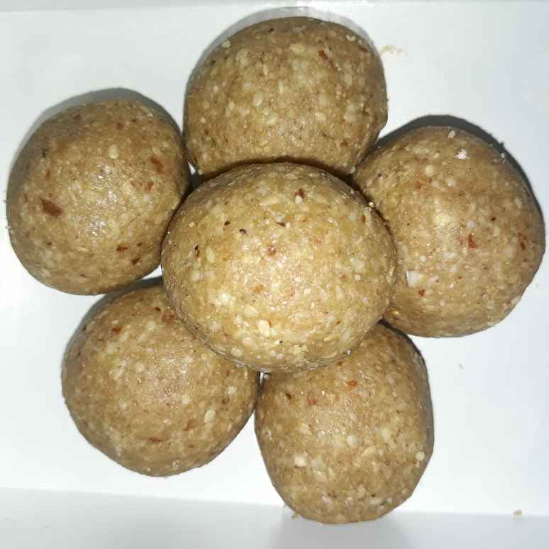 Photo of Til ladoo by PRIYA DARYANI at BetterButter