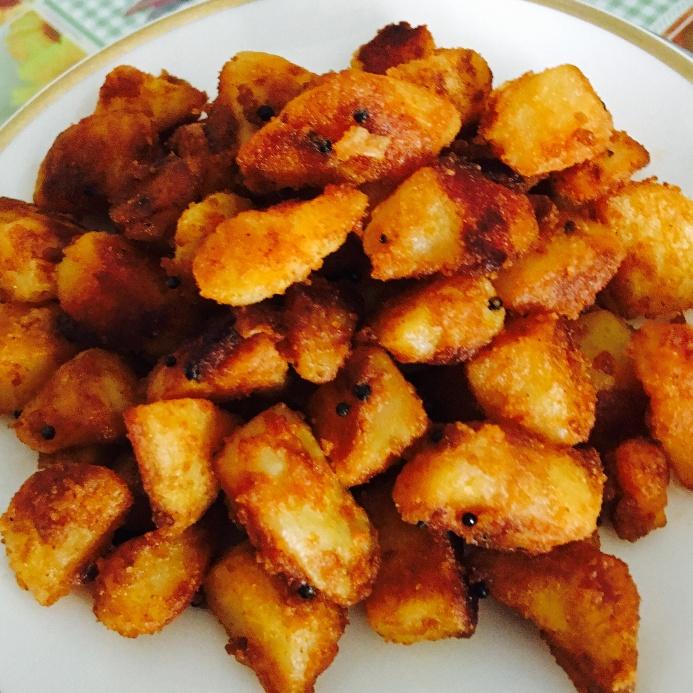 Photo of Crispy pan fried potatoes by Priya Mani at BetterButter
