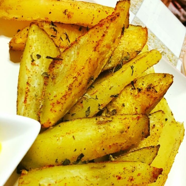 How to make Crispy and yummy hot potato wedges