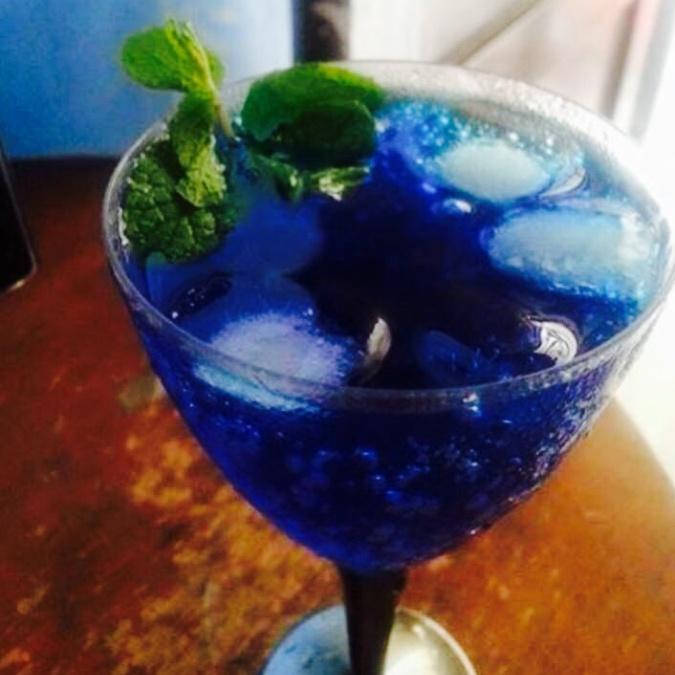 How to make Blue lagoon mojito